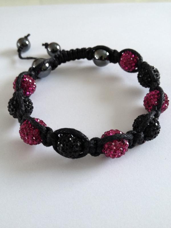 Shamballa armband svart och rosa bling - DesignOasen - Väskor ... 110b306a6614d