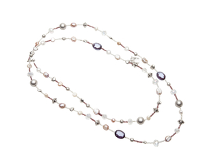 Pearls for Girls. Halsband mix med pärlor och silverdetaljer, längd 110 cm